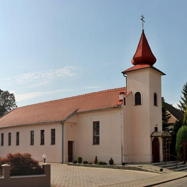 Kostol v Behynciach